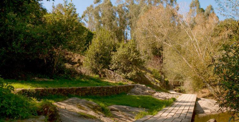 1col-entorno-paseo-rio-sarela